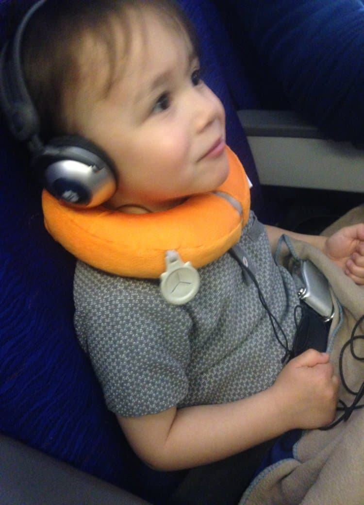 Neck pillows help toddlers on long haul flights