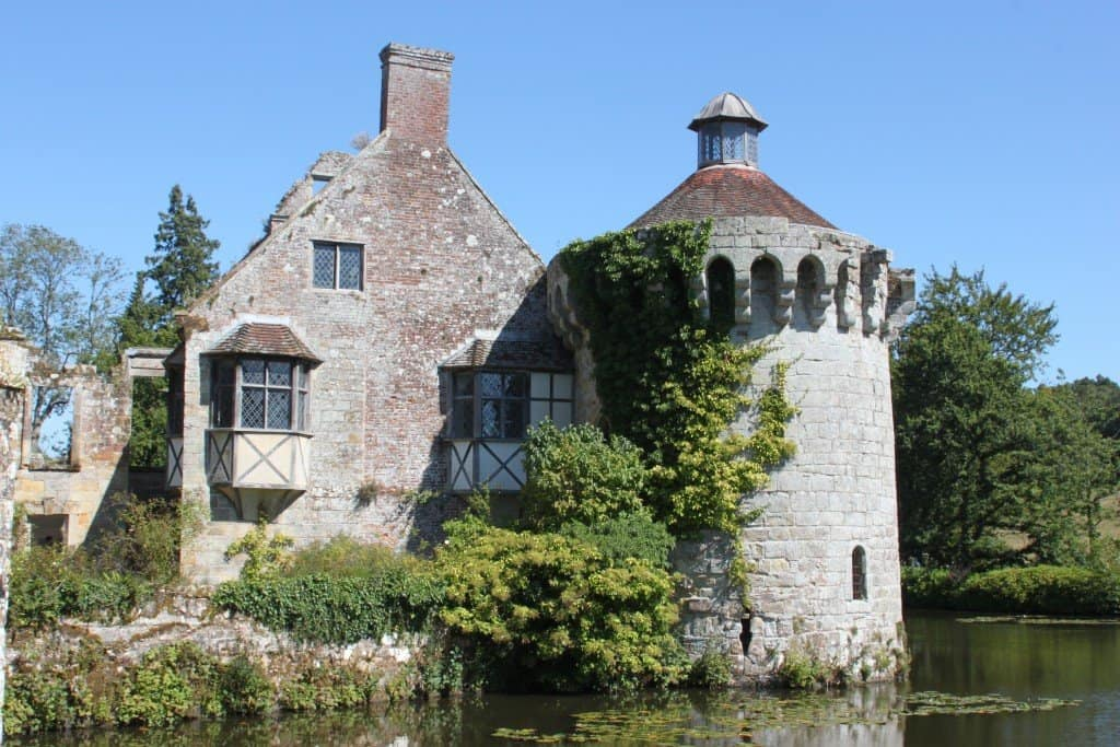 A Family Day Out At National Trust's Scotney Castle