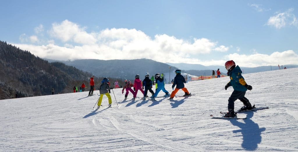 8 Top Tips For First Time Skiing Holidays For Families | My Travel Monkey