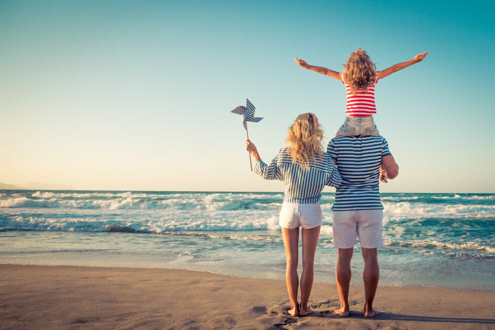 20 Essential Tips On How To Budget For A Family Holiday ...